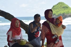 wisata-pantai-goa-cinawisata-malangtour-malangwisata-goa-cina
