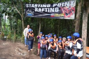 strating-point-rafting-kaliwatukaliwatu-rafting-pt-lapan-jakarta